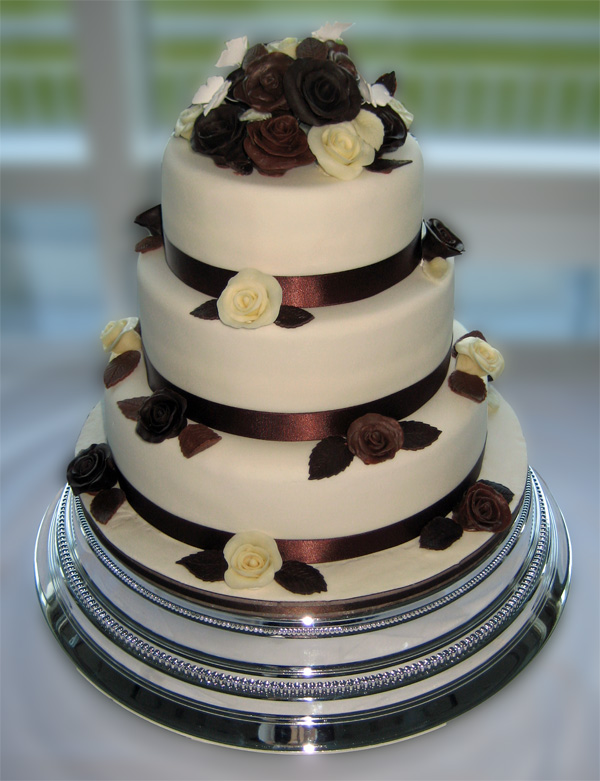 Send Character Cakes to Karachi Wedding Cakes to Karachi