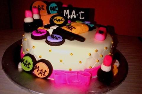 6 TO 8 LBS MAC 3D CAKE